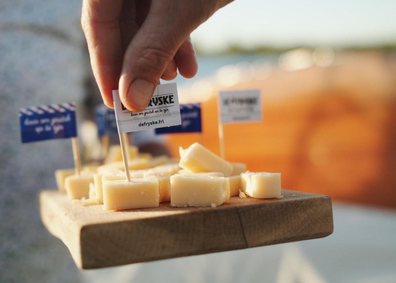 Prikkers in kaas